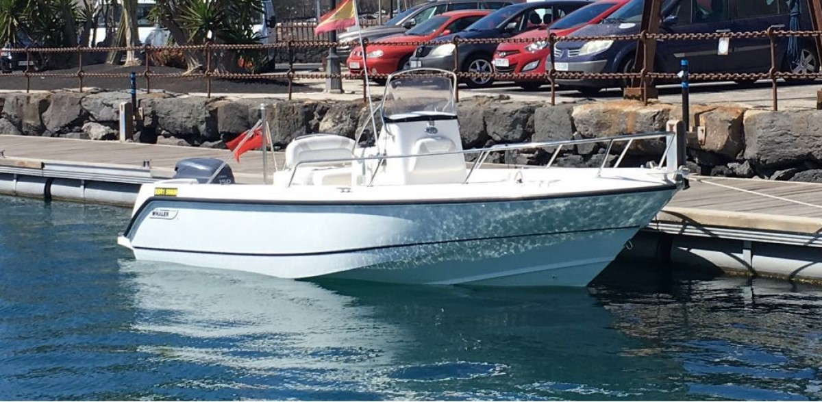 Boston Whaler Outrage 21 for sale :: MotorYachting com Details